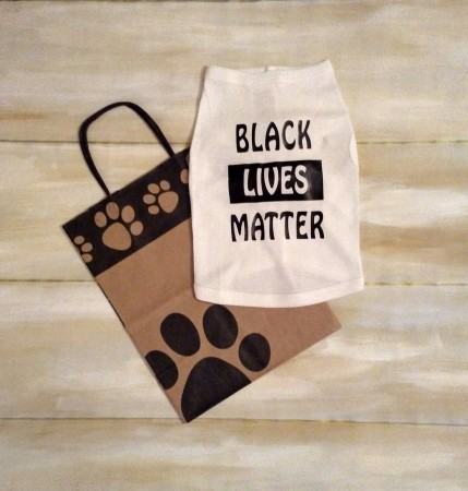 Black Lives Matter, Pet Tshirt